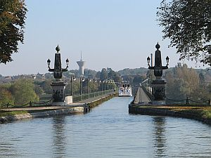 the aqueduct over the Loire River at Briare