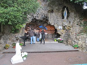 Replica of the Lourdes Grotto of Saint Bernadette