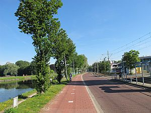 Leaving Delft along the canal